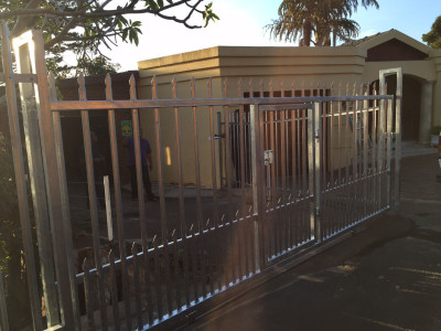 Palisade Sliding Gate And Fencing Installation