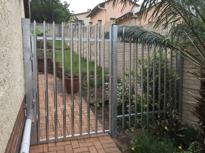 stainless steel gates product offering master gates durban. Black Bedroom Furniture Sets. Home Design Ideas